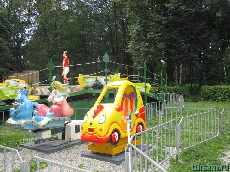 Аттракционы в парке имени М.И. Калинина в городе Королев-2