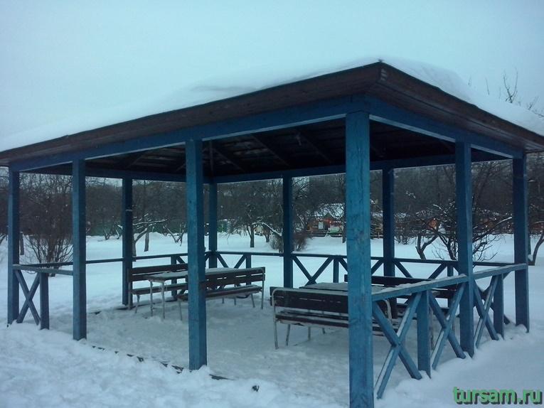 Беседка в парке Ангарские пруды