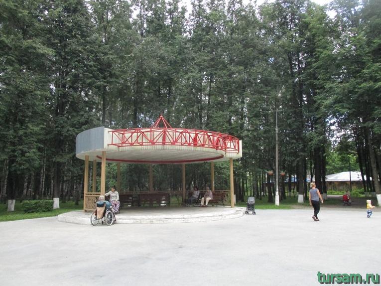Беседка в парке имени М.И. Калинина в городе Королев