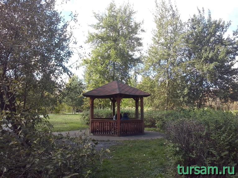Беседка в парке рядом с метро Борисово