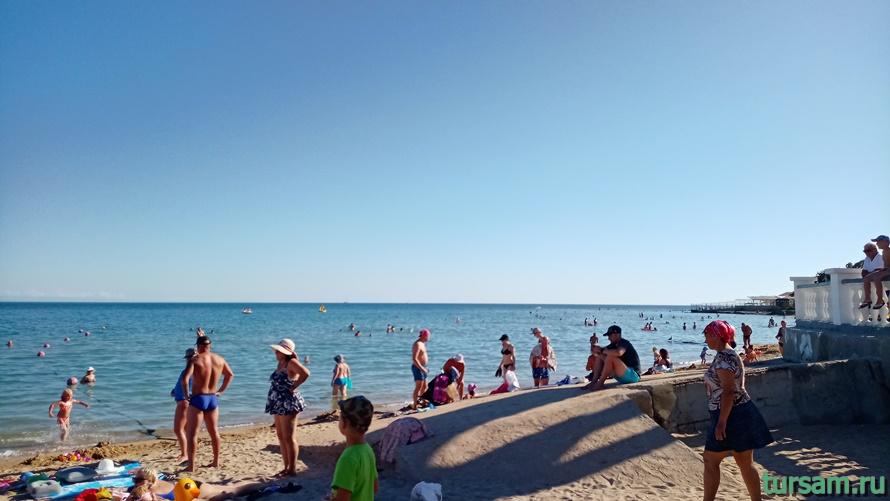 Центральный пляж Евпатории-2