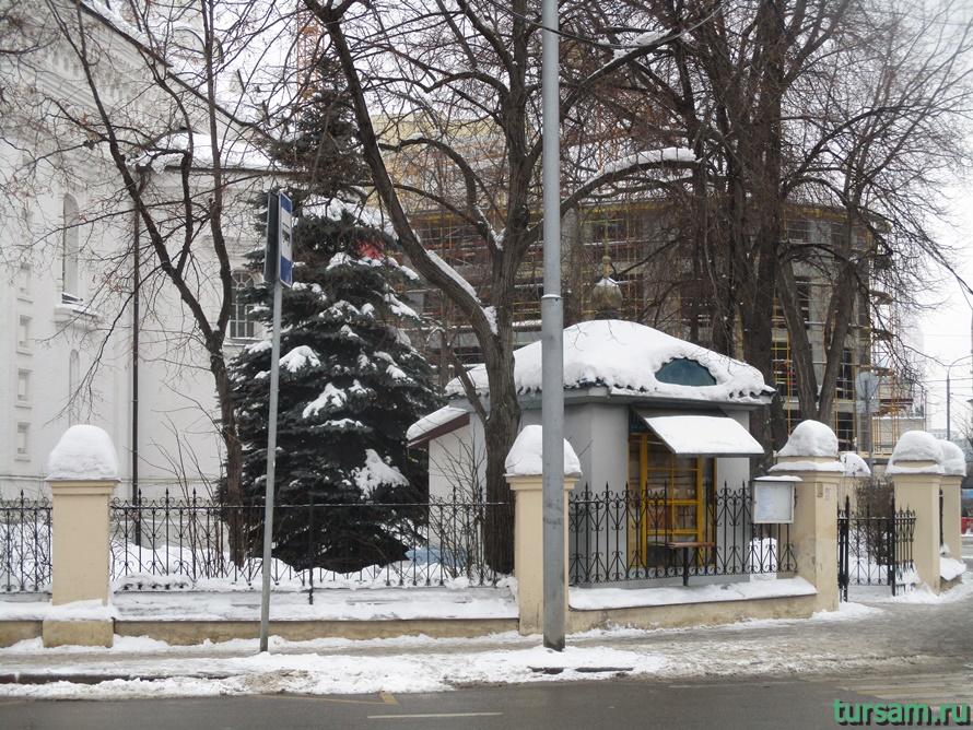 Церковь Архангела Михаила на Девичьем поле-2