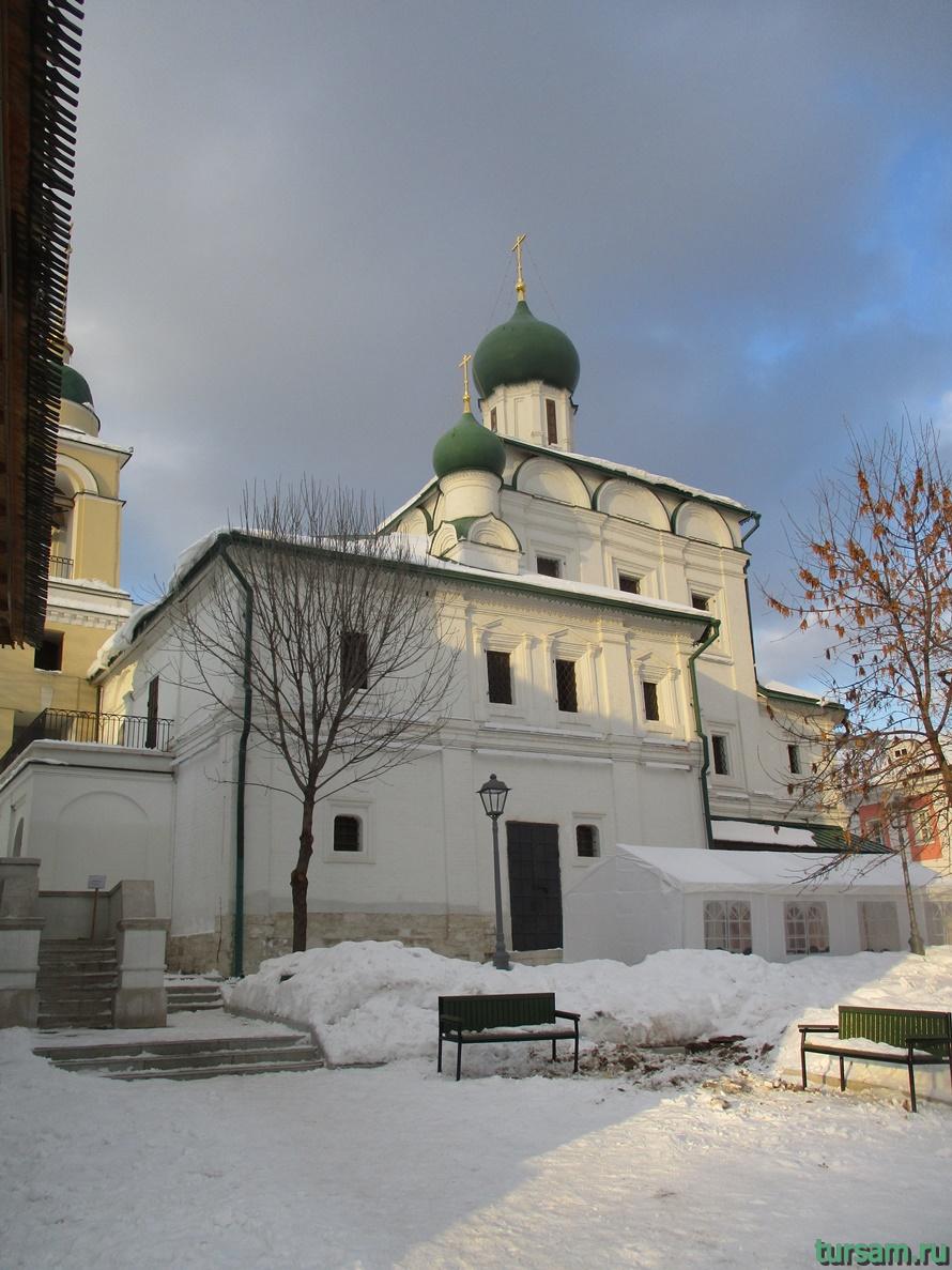 Церковь Максима Блаженного на Варварке-1