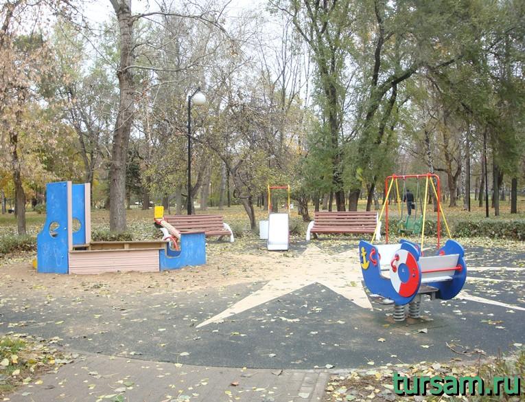 Детская площадка для малышей в Чапаевском парке