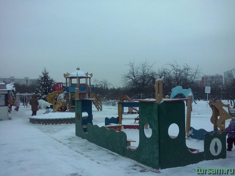 Детская площадка в парке Ангарские пруды-2