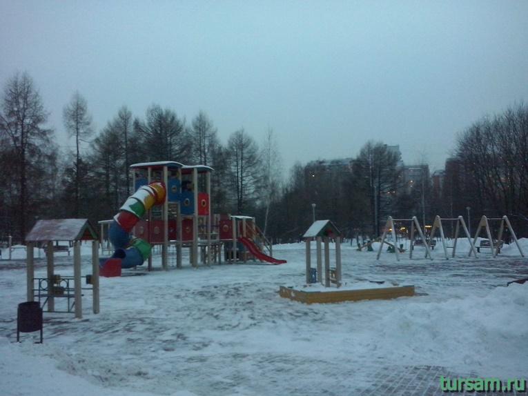 Детская площадка в парке Ангарские пруды