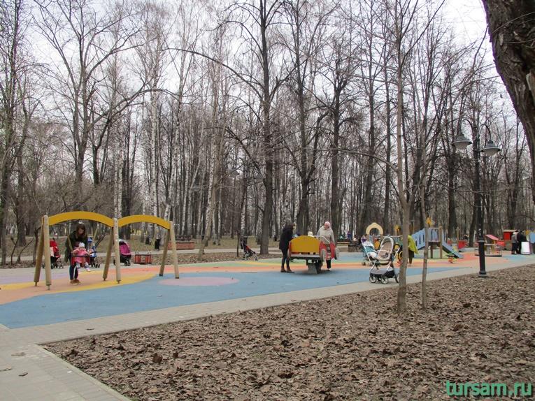 Детская площадка в парке имени Воровского-3