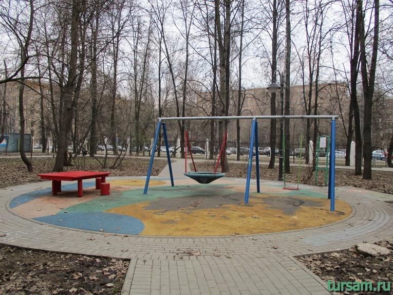 Детская площадка в парке имени Воровского-4