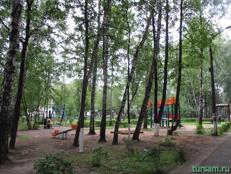 Детская площадка в парке имени М.И. Калинина в городе Королев-2