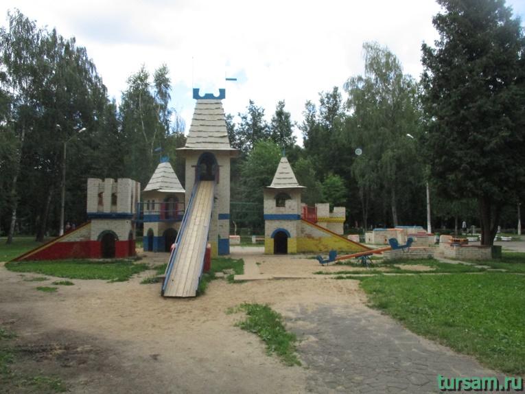 Детская площадка в парке имени М.И. Калинина в городе Королев-3