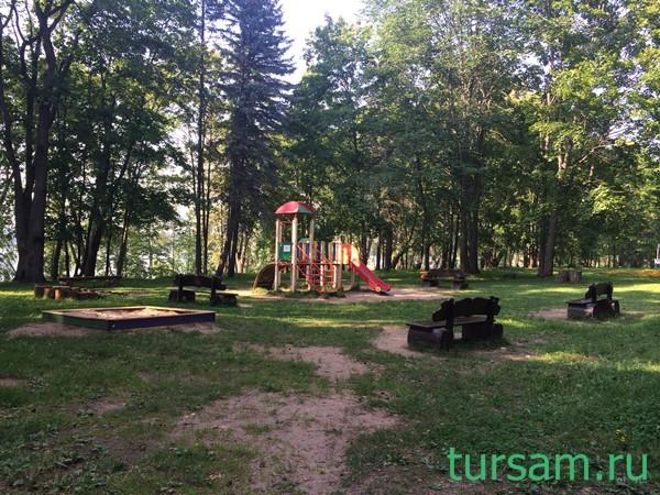 Детская площадка в санатории Карачарово