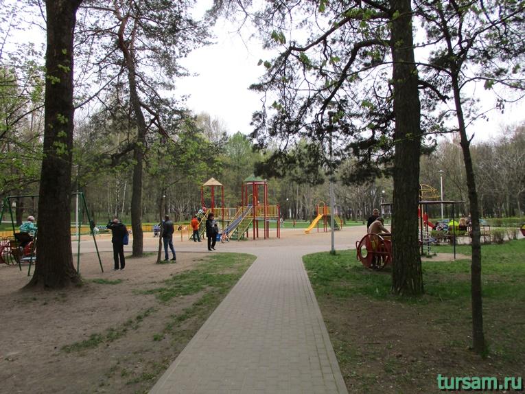 Детский городок в парке имени Челюскинцев