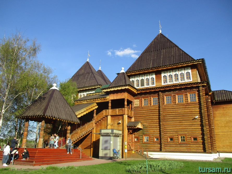 Дворец царя Алексея Михайловича в Коломенском-3
