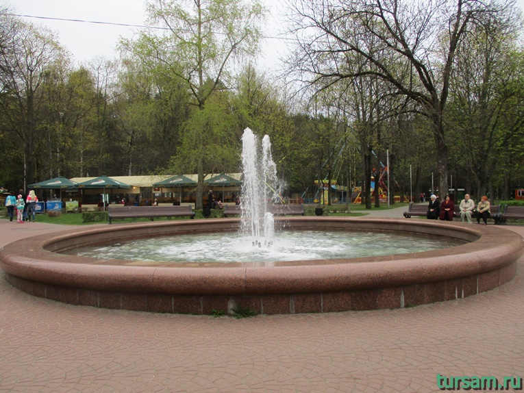 Фонтан в парке имени Челюскинцев