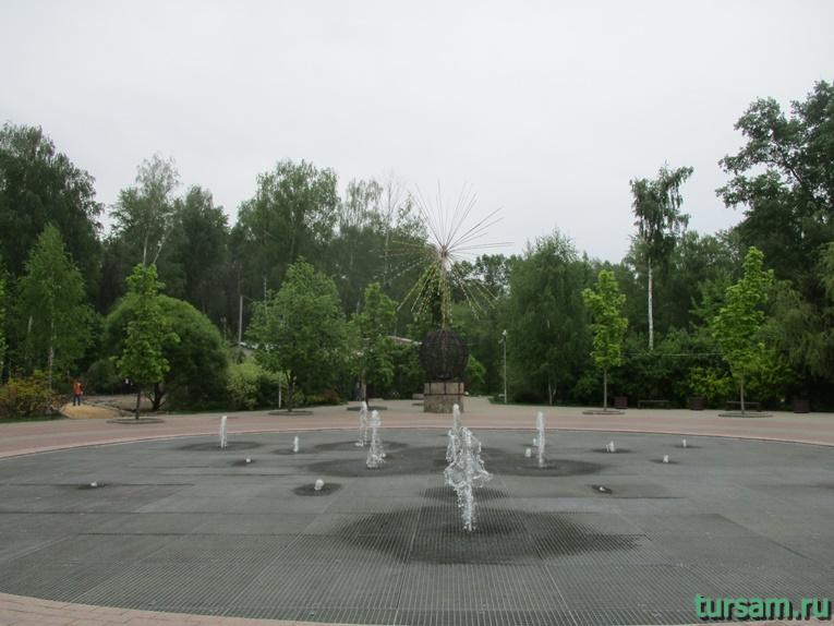 Фонтаны на территории парка культуры и отдыха в Мытищах