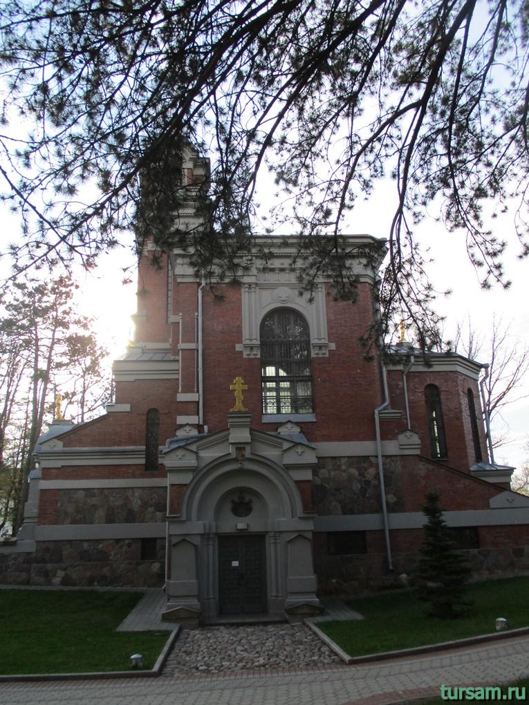 Фото церкви-усыпальницы кн. Святополк-Мирских
