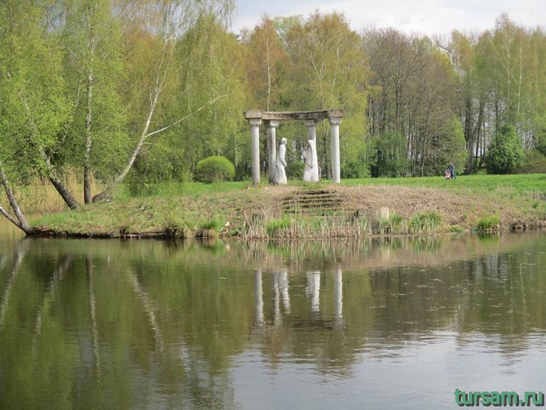Фото на территории одного из ландшафтных парков рядом с Несвижским замком-13