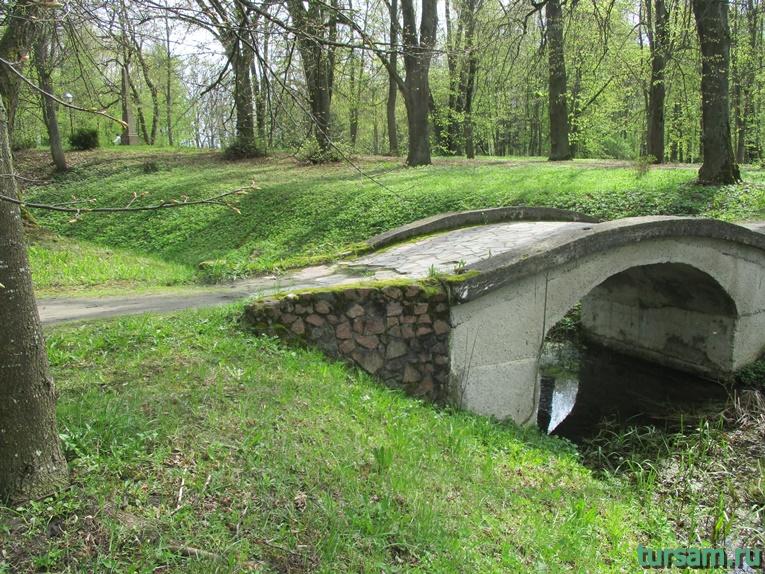 Фото на территории одного из ландшафтных парков рядом с Несвижским замком-8