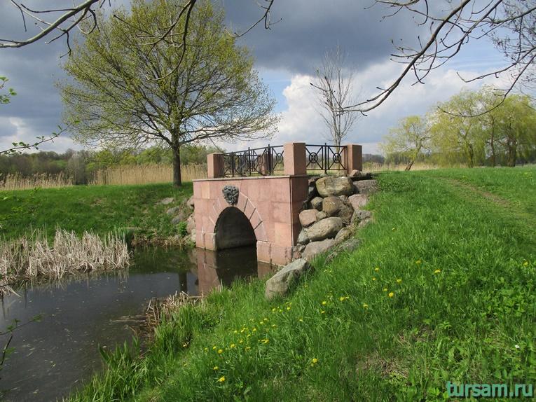 Фото на территории одного из ландшафтных парков рядом с Несвижским замком-9
