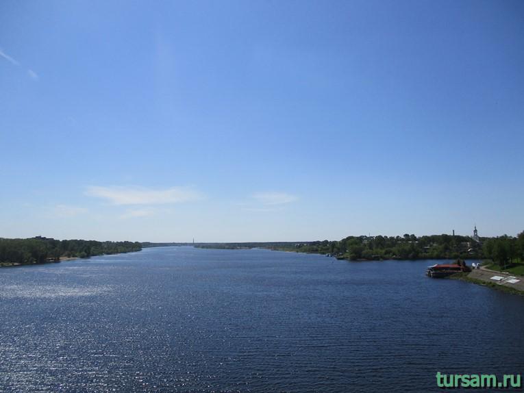 Фото вида с моста соединяющего центральную часть города Кимры и микрорайон Савелово