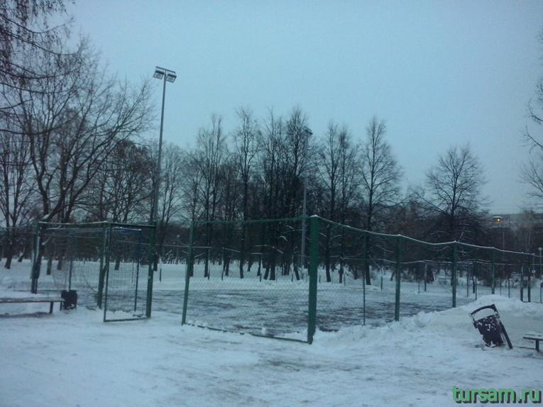 Футбольное поле в парке Ангарские пруды