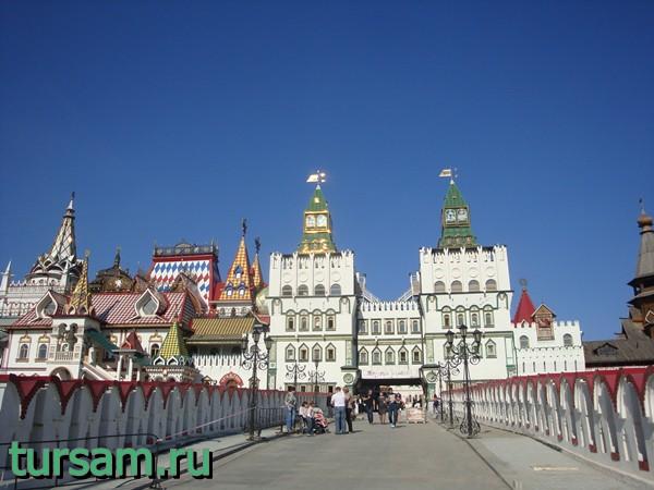 Мост, ведущий на территорию кремля Измайлово