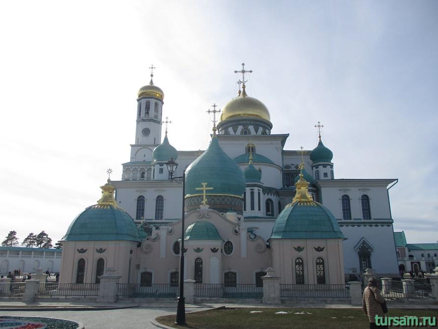 Новоиерусалимский монастырь в Истре-1