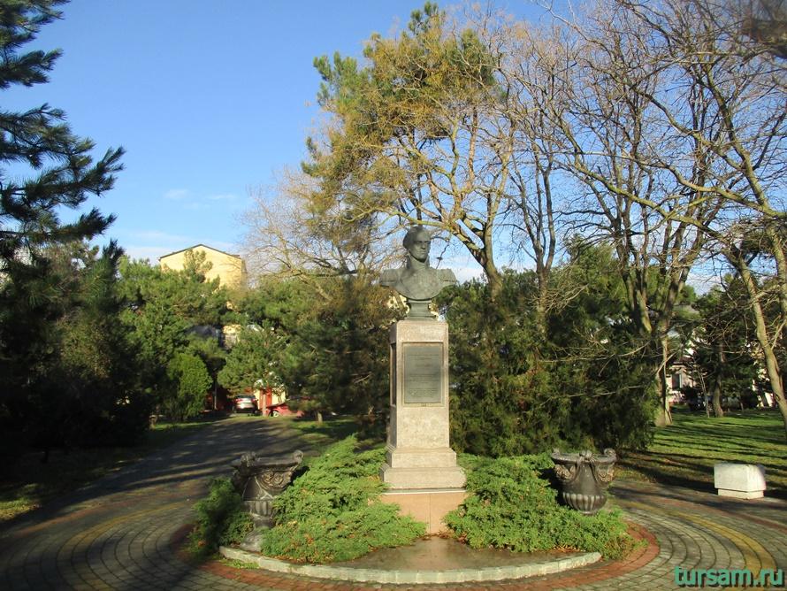 Памятник Ивану Гудовичу в Анапе-1