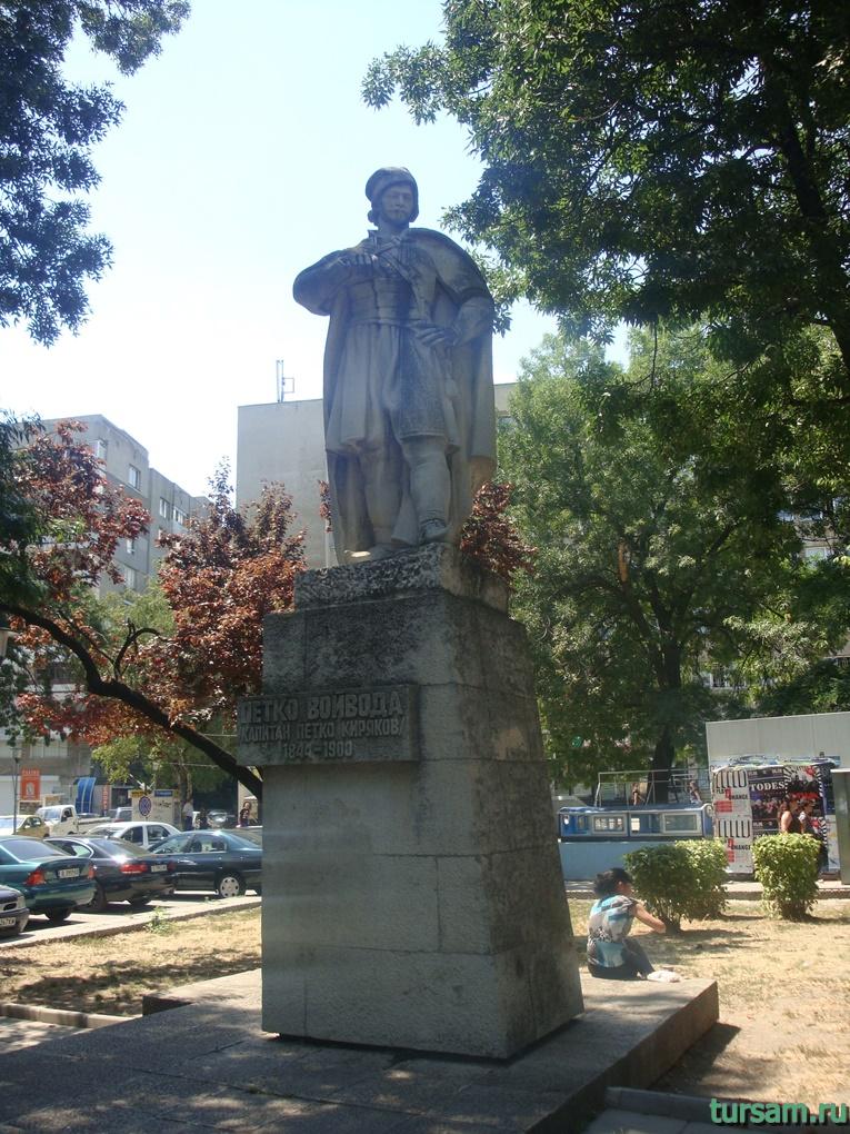 Памятник капитану Петко Кирякову в Варне