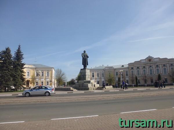 Памятник Ленину в Твери