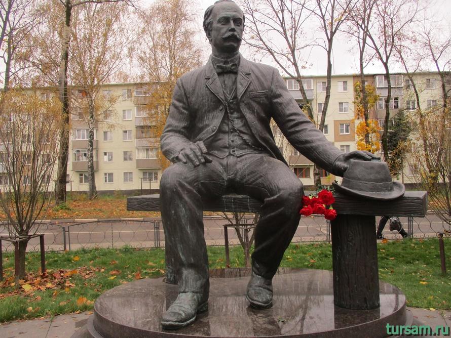 Памятник Лыжину в Ивантеевке-2