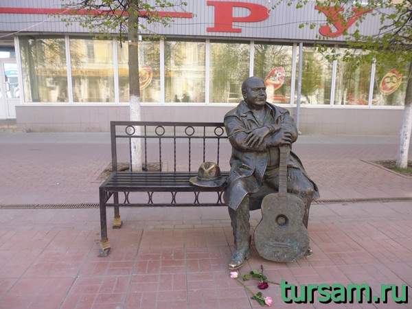 Памятник Михаилу Кругу в Твери