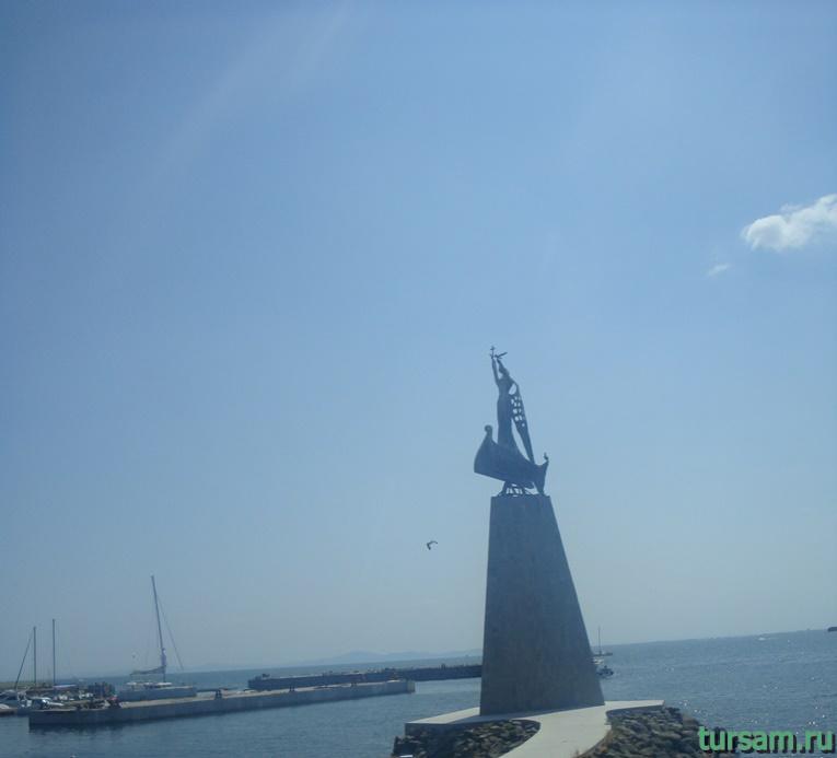 Памятник Святому Николе в Несебре