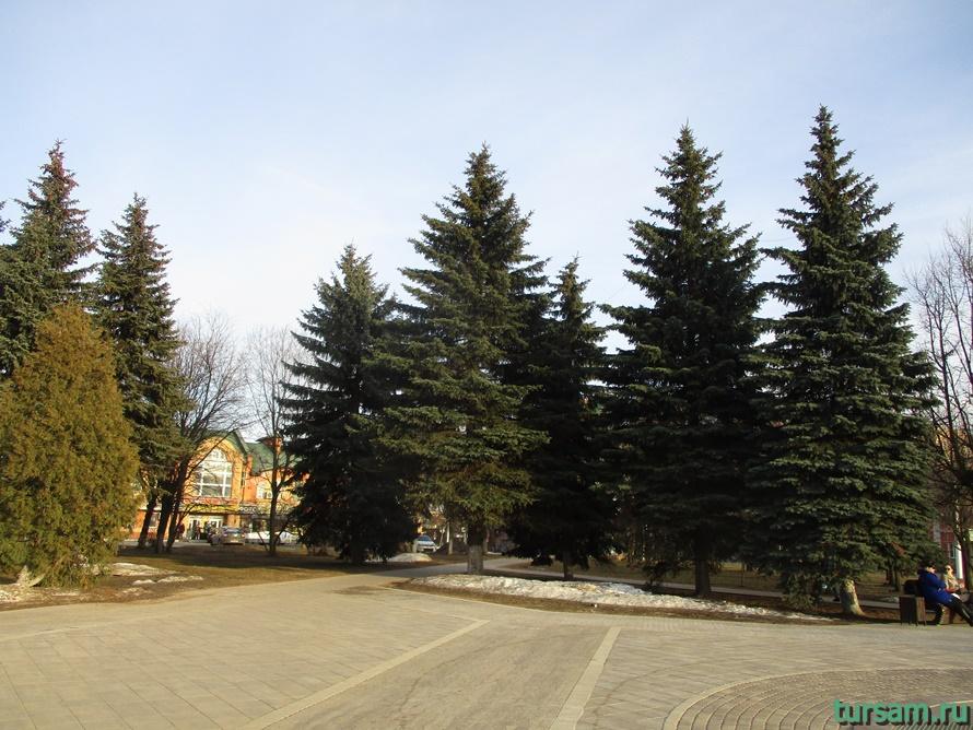 Площадь Революции в Истре-3