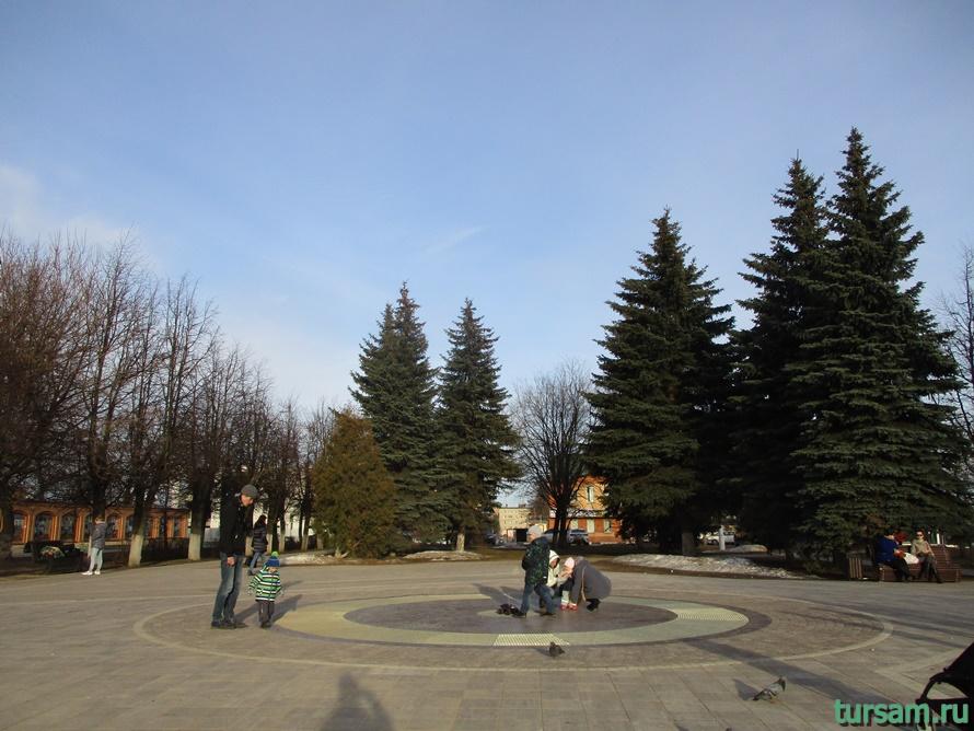 Площадь Революции в Истре-5