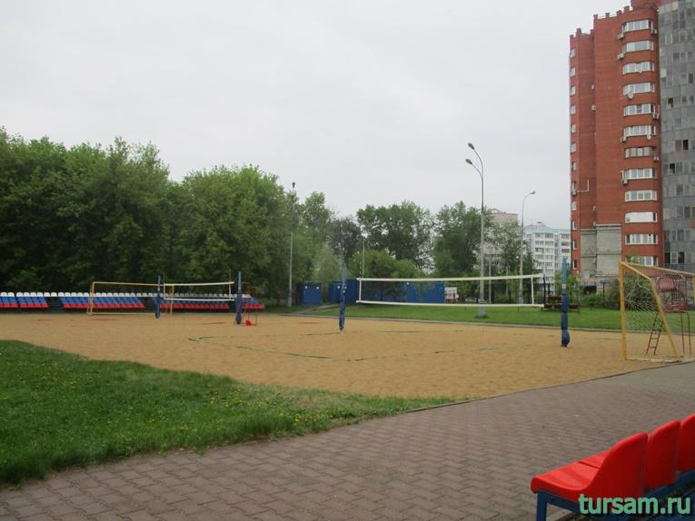 Площадки для пляжного волейбола на территории парка культуры и отдыха в Мытищах