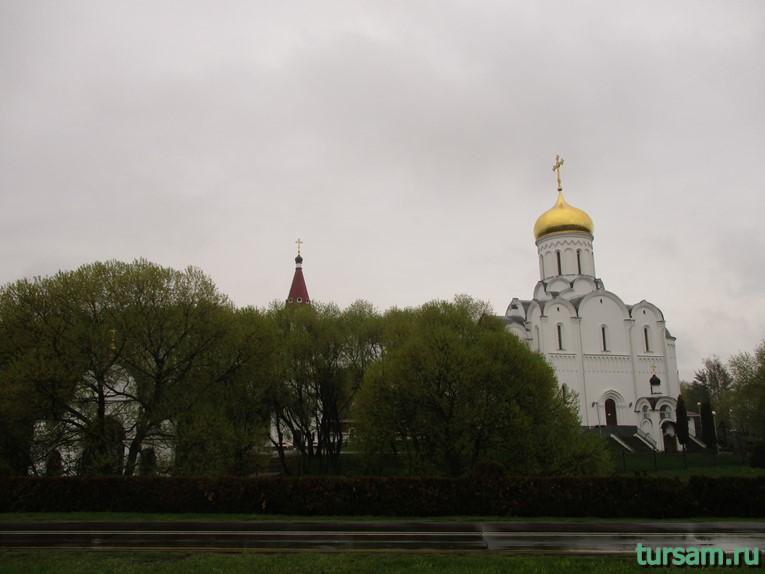 Православный храм в честь Покрова Пресвятой Богородицы в Минске