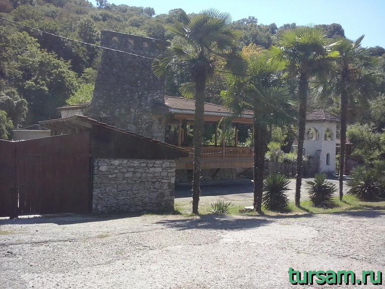 Ресторан Кавказский Аул по дороге на Агурские водопады