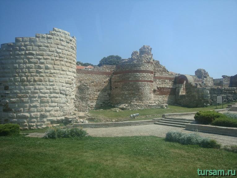 Руины старой крепости в Несебре