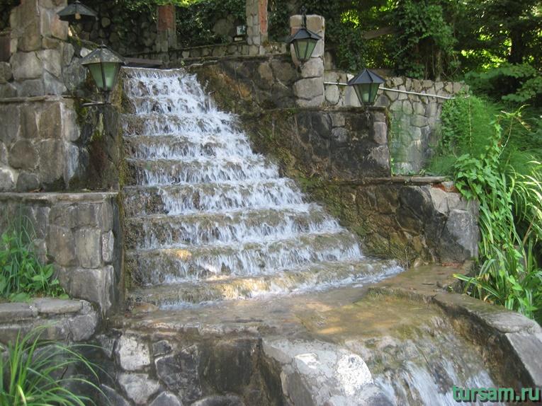 """Рукотворный водопад рядом с родником """"Наташа"""" №5"""