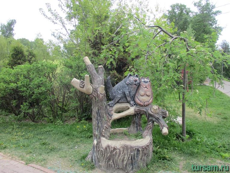 Скульптура на территории парка культуры и отдыха в Мытищах-4