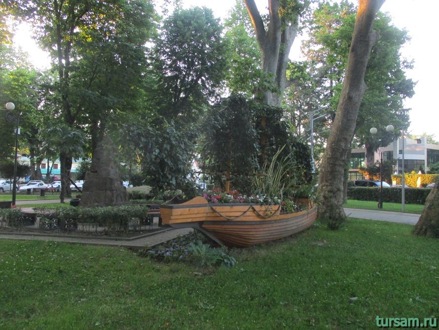 Сквер Бестужева в Адлере-8