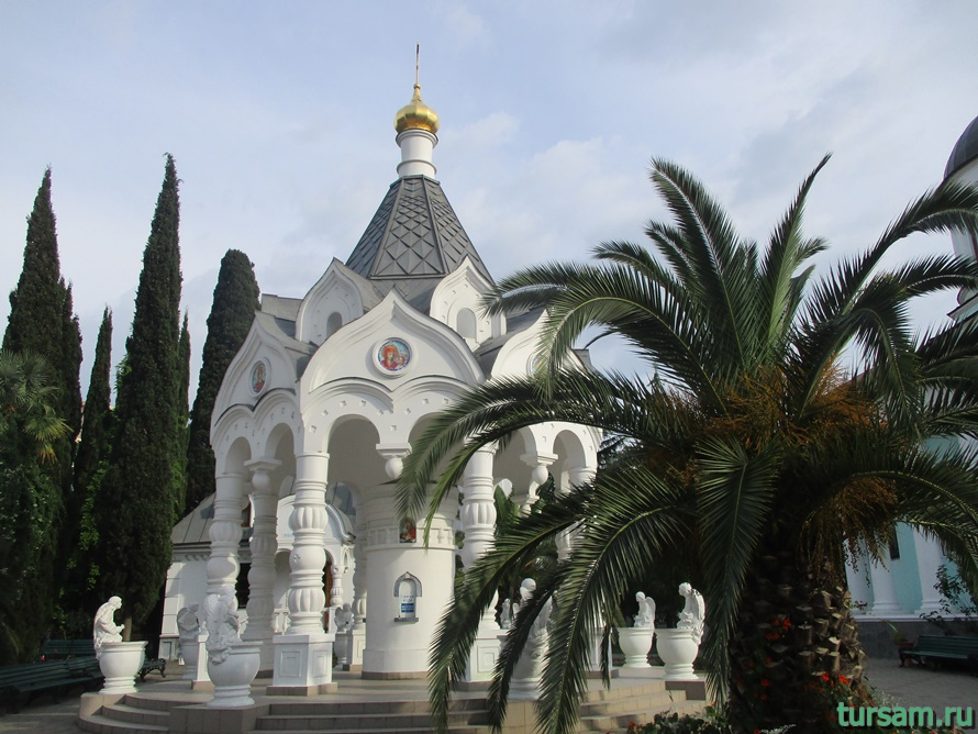 Собор Архангела Михаила в Сочи-4