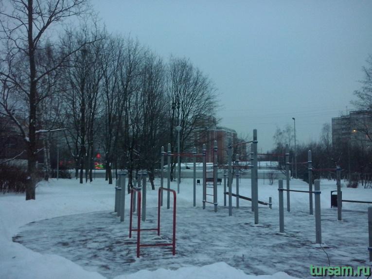 Спортивная площадка в парке Ангарские пруды