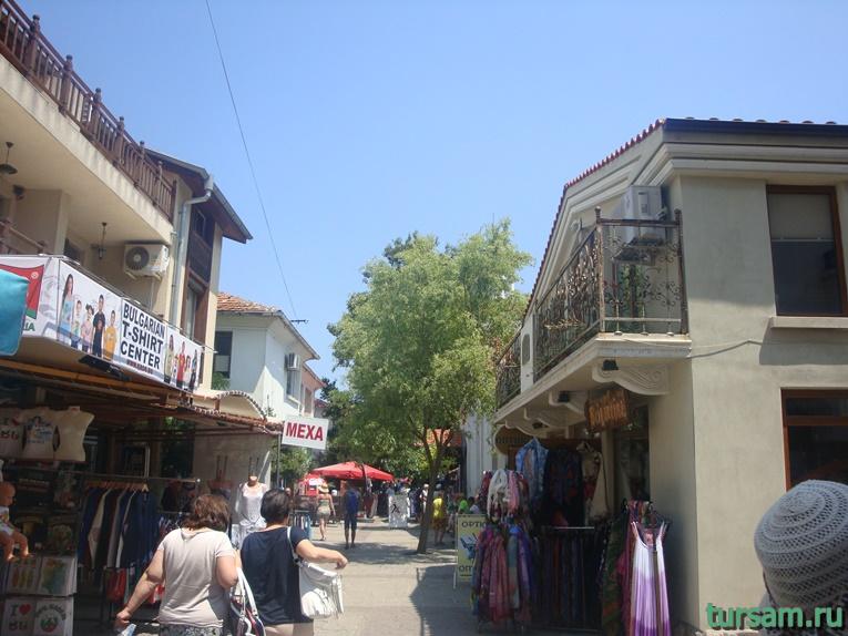 Торговые ряды в старой части Созополя
