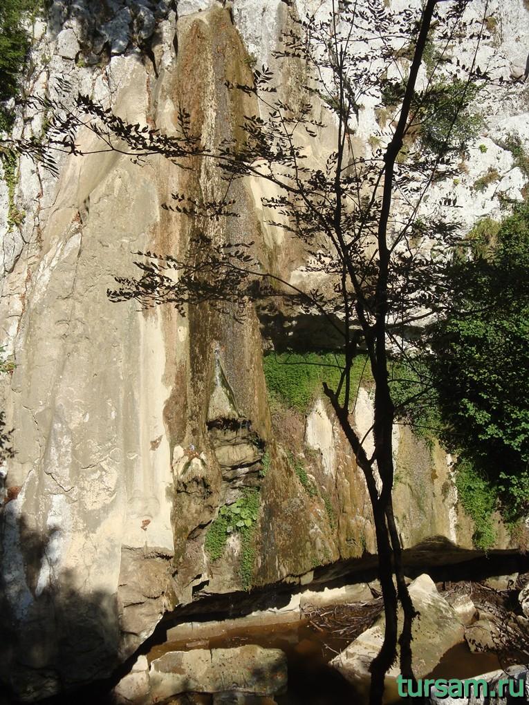 Верхний водопад на маршруте Агурское ущелье и водопады