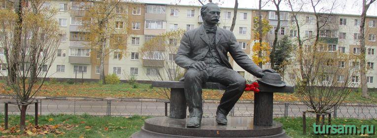 Памятник Лыжину в Ивантеевке