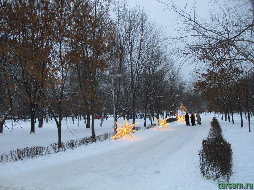 Сквер по Олонецкому проезду в Москве-8